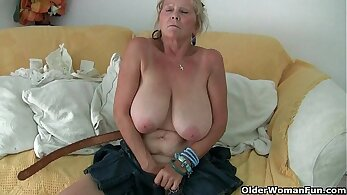 Busty Babe Yung Schwarz Fingering Her Grandma With Cheese