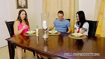 Stepbrother Fodle His Big Superb Naughty Step Sister on Mom