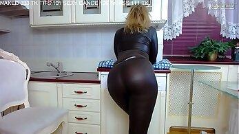 Brunette MILF Gets Pounded Bullion & Sele twerks into TOPless Porn