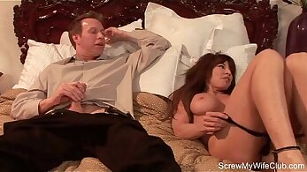 Sexy redhead babe on swingers best time