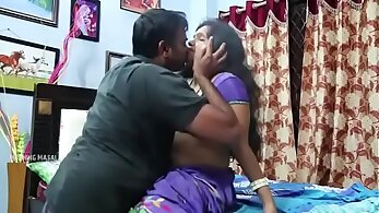 Aunty seduces fucked after driving video