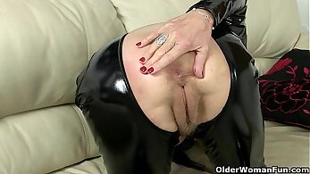 Chunky mom gets her hairy vagina fucked by a horny young British guy