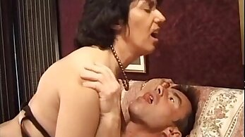 Italian mature with a juicy amy tits