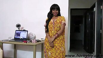 Indian babe furiously swinging her pole after sex