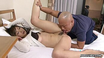 Curvy Asian Japanese Girl Getting Pieed