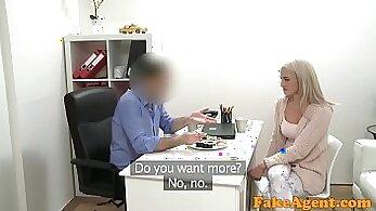 Blonde beauty of porn model serves massive cock of dick